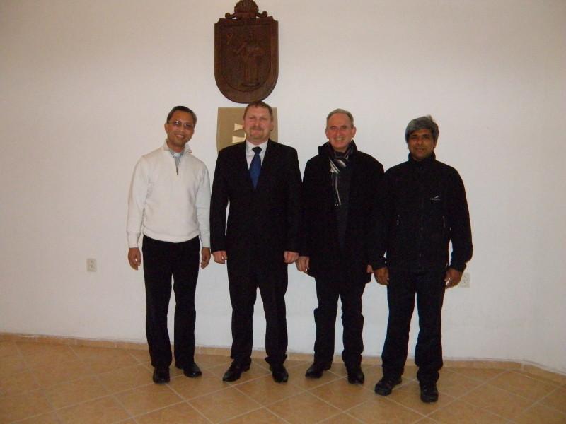 Prijatie misionárov na obecnom úrade