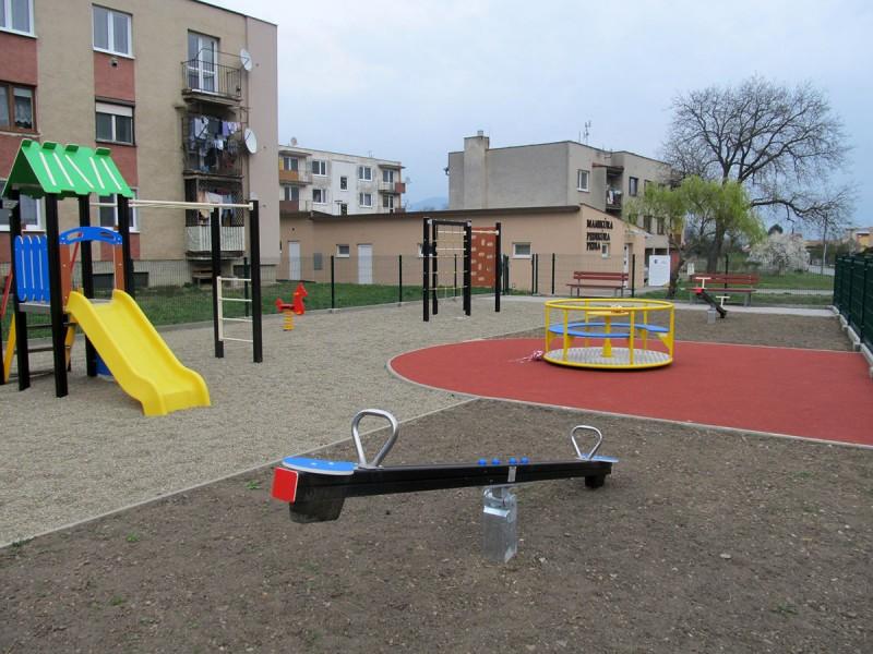 Dokončenie detského ihriska na ul. Školskej